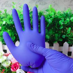 China Medical Disposable Nitrile Gloves Soft Enhancing Sense Of Touch Sensitivity supplier